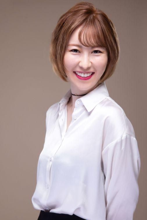 Master Rep Tina  (Yamada), ART MAKE GALLERY代表兼マスター|多数の資格を保有する国際Artmake artist